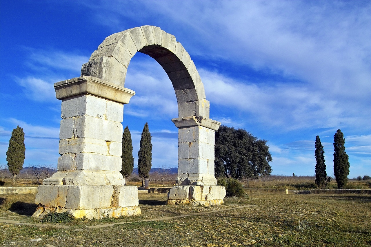 Portada. Arco romano de Cabanes. Autor, Patronato provincial de turismo de Castellón