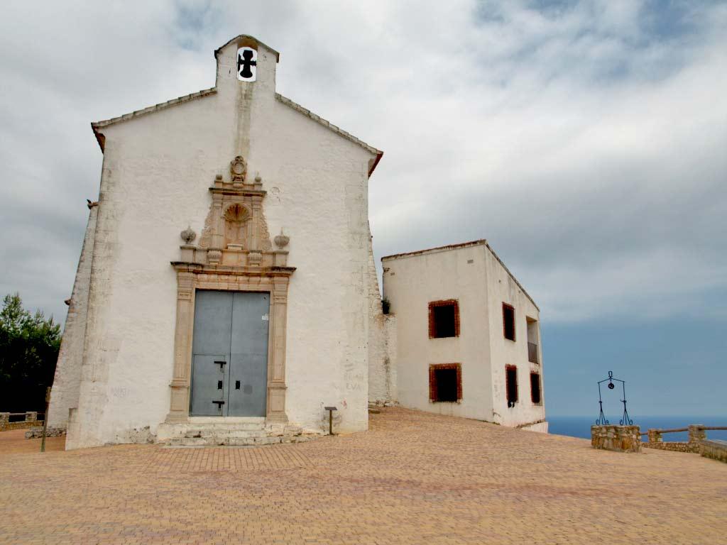 4 Ermita de santa Llùcia i sant Benet. Autor, pisakampas.blogspot.com