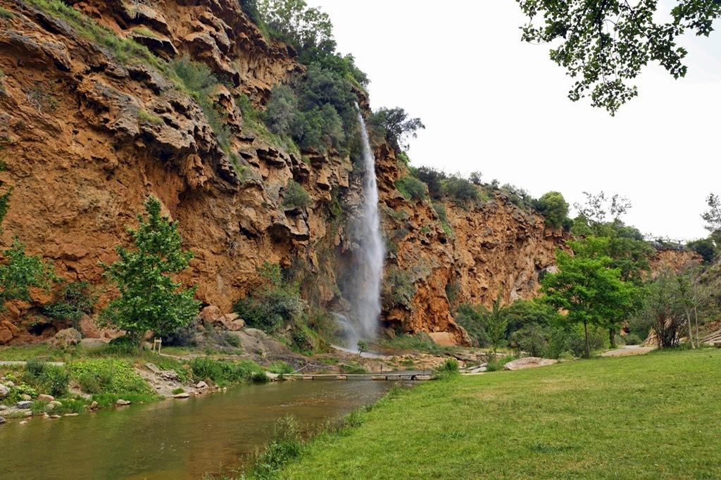 Cascada del Brazal. Navajas