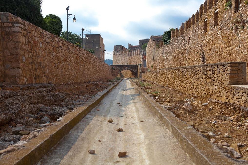 Paseando por Sant Mateu. Autor, Jorge Ferreres