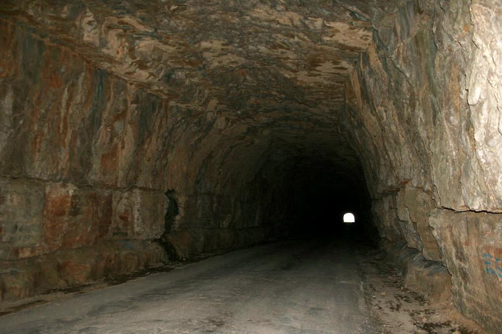 Túnel para L'Avellà