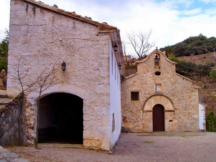 Ermitorio de la Virgen de la Ortisella en Benafigos. Autor, Toni, EB5CS