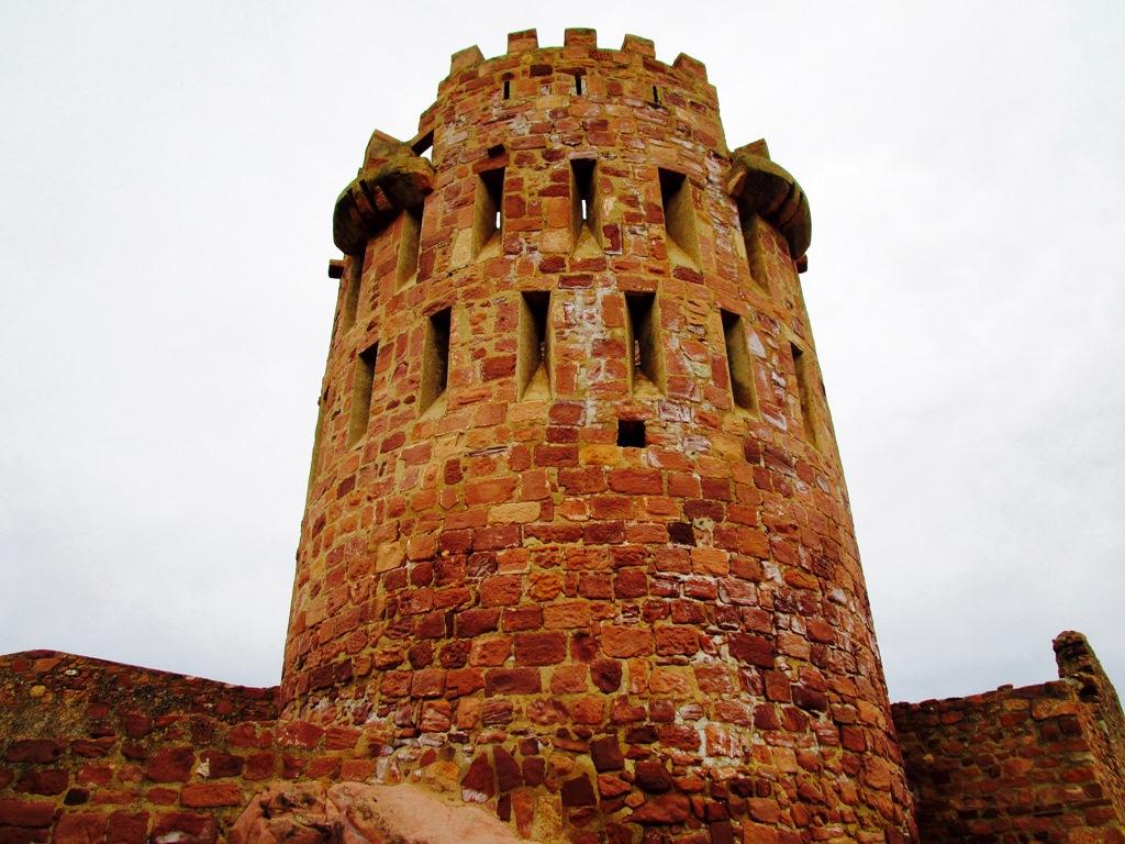 Torre del homenaje. Castillo de Vilafamés. Autor, Manel