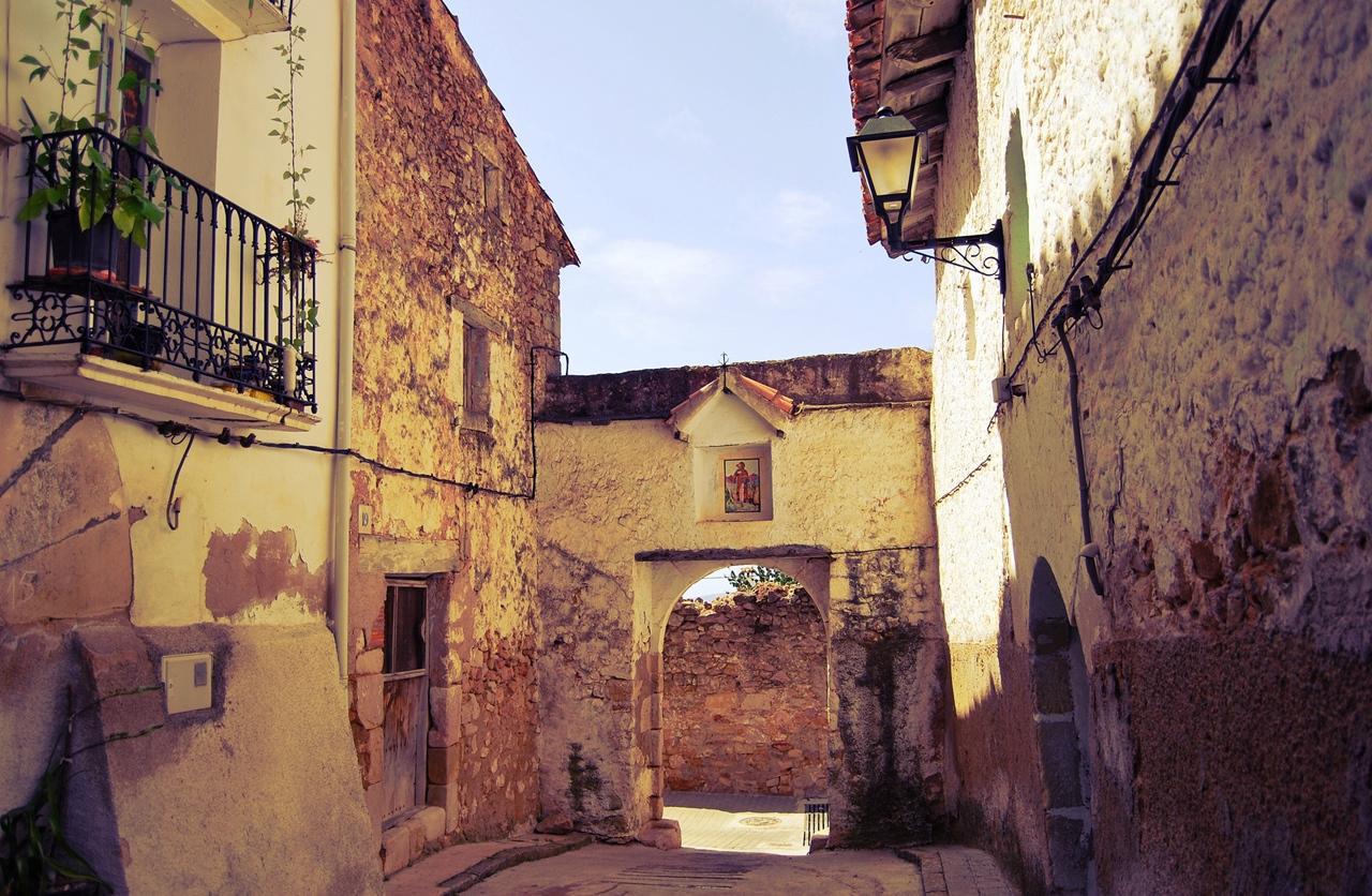 Puerta de la muralla. Vistabella del Maestrat. Autor, Oscar